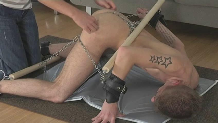 Tattooed pale gay gets perpetually part of his erection chained