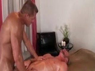 Gluteus Rub down Act