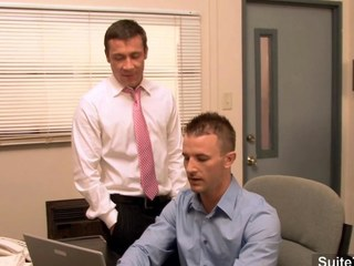 Gorgeous gay gets ass banged in an obstacle office crumb