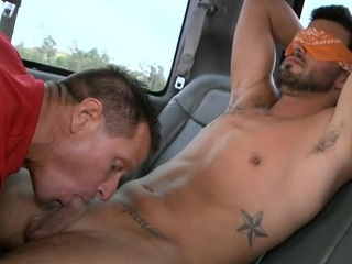 Lovable bung up lured come by having debauched fellatio with gay