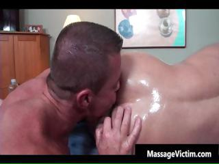 Be in charge hot bodied man gets oiled be worthwhile for gay