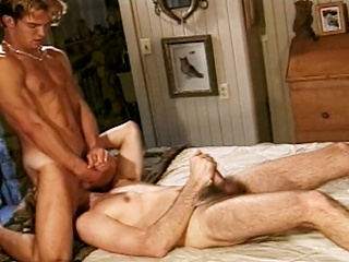 Richie Fine sucks his hot friend Ryan Powells cock forwards they both...