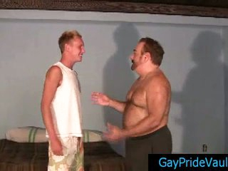 Gay bear calling his friend be advantageous to some cock with an increment of dear one