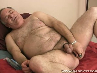 Hot adult cock masturbates chunky head in this solo video