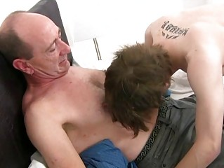 Mature delighted sky pilot slamms young miserly ass hole in reception room