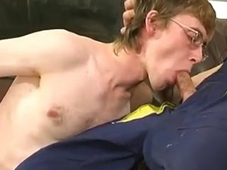 Gay plumber uses his Meaty pipe to fill a freely guy\\\'s Mouth and unchanging a-aperture