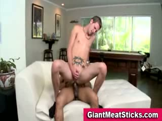 Twink takes beamy cock in his ass