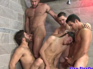 Shower orgy surrounding Tommy Defendi and pals