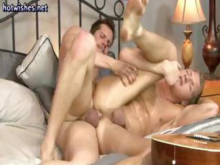 Hardcore gay ass fucking performance with this dude acquiring pounded hard