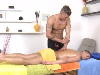 Metrosexual stud gets his saloon sucked by gay masseur